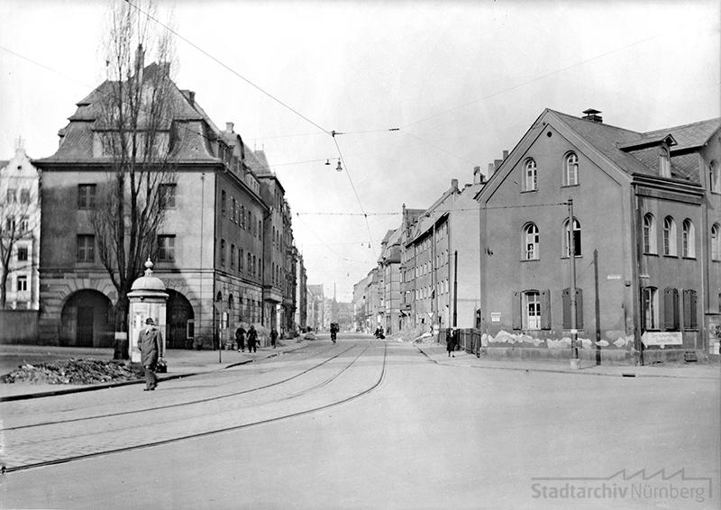 Blick von der Regensburger Straße in die Kirchenstraße. Quelle: Stadtarchiv Nürnberg