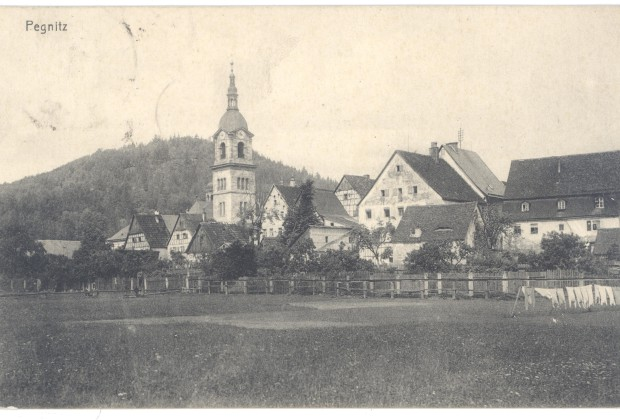 Stadt Pegnitz - großes Gebäude rechts neben der Kirche: ehem. Rent- bzw. Kastenamt