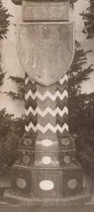 Der Sockel des Neumarkter Kriegswahrzeichens im April 1916