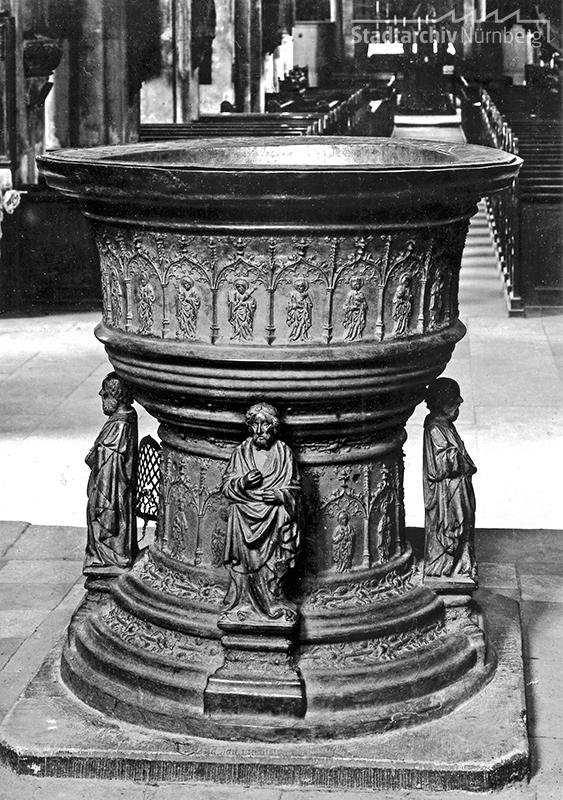 Taufstein in der Sebalduskirche in Nürnberg