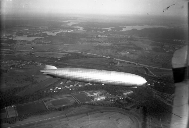Berlin, Graf Zeppelin LZ 127 (Lizenzhinweis: Bundesarchiv, Bild 102-00960A / CC-BY-SA 3.0, Bundesarchiv Bild 102-00960A, Berlin, Graf Zeppelin LZ 127, CC BY-SA 3.0 DE)