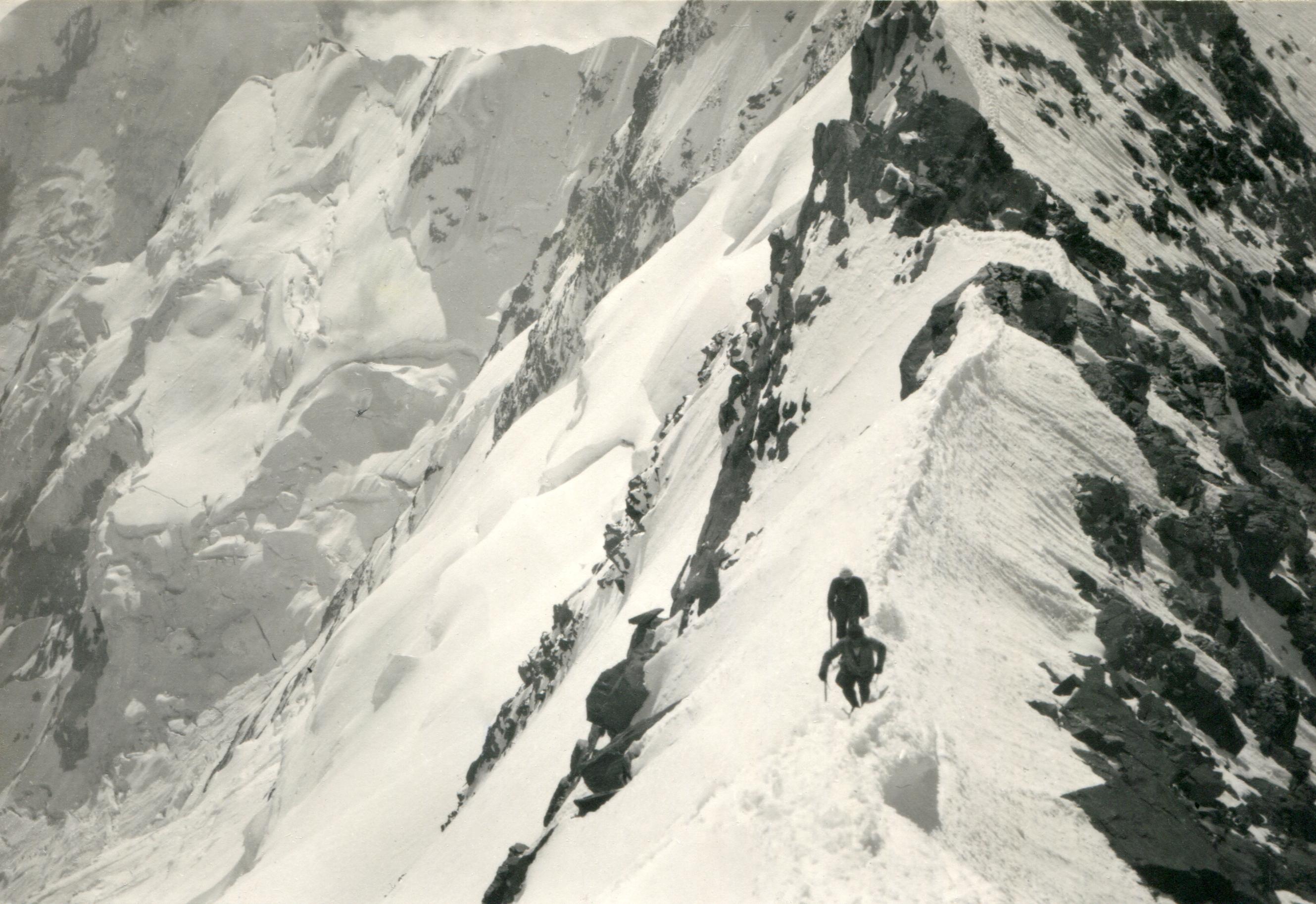 Auf dem Südostgrat der Dufourspitze. Sommer 1926.