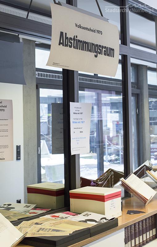 Präsentation der Unterlagen zum Volksentscheid vom 24.5.1970 anlässlich des Tags der Archive im Lesesaal des Stadtarchivs Nürnberg. Foto Jasmin Staudacher, 3.3.2018. Stadtarchiv Nürnberg