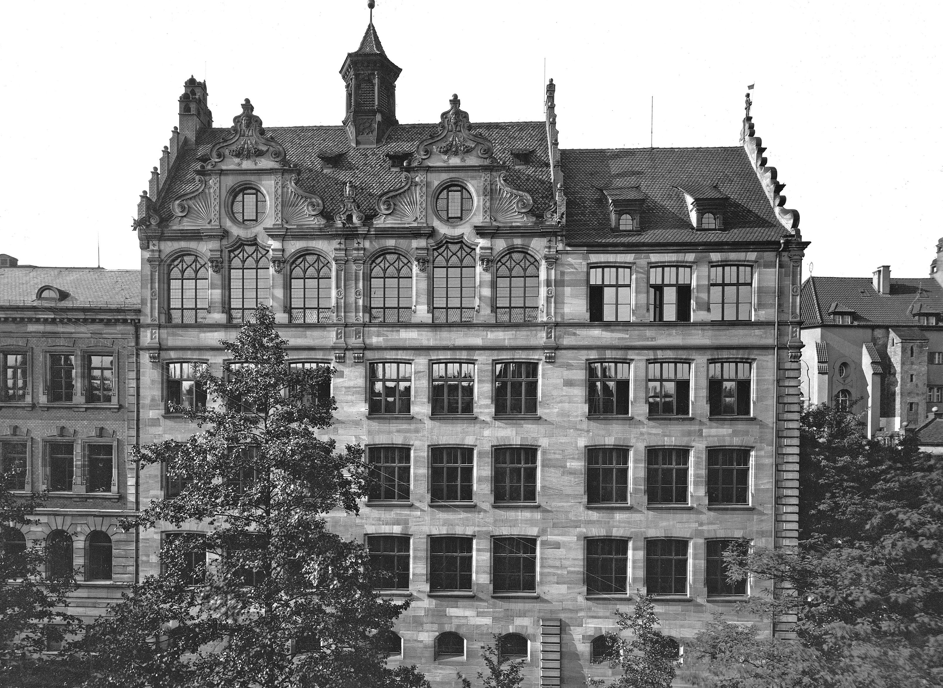 Das Kollegiengebäude Findelgasse 7